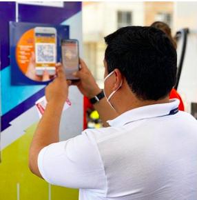 Gasolineras empiezan a implementar el pago de la gasolina con el móvil y un código QR