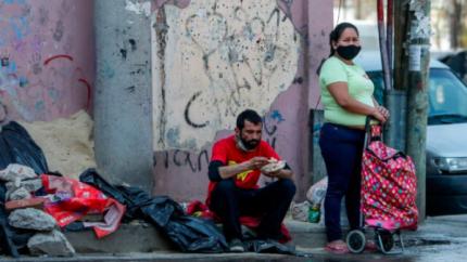 Seg煤n la UCA, el 44,2% de los argentinos son pobres y el desempleo ya llega al 14,2 por ciento