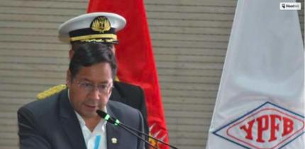 Presidente sugiere a YPFB organizar concurso de investigaci贸n sobre la tercera nacionalizaci贸n de los RRNN